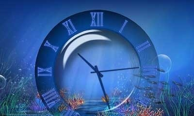 Aquatic Clock Screensaver free old clock screensaver
